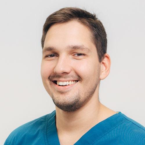 Dr. med. Barrak I. Ádám MSc PhD szájsebész szakorvos